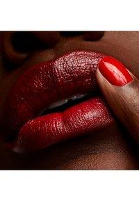 MAC - CREMESHEEN LIPSTICK - Rouge à lèvres - sweet sakura - 1