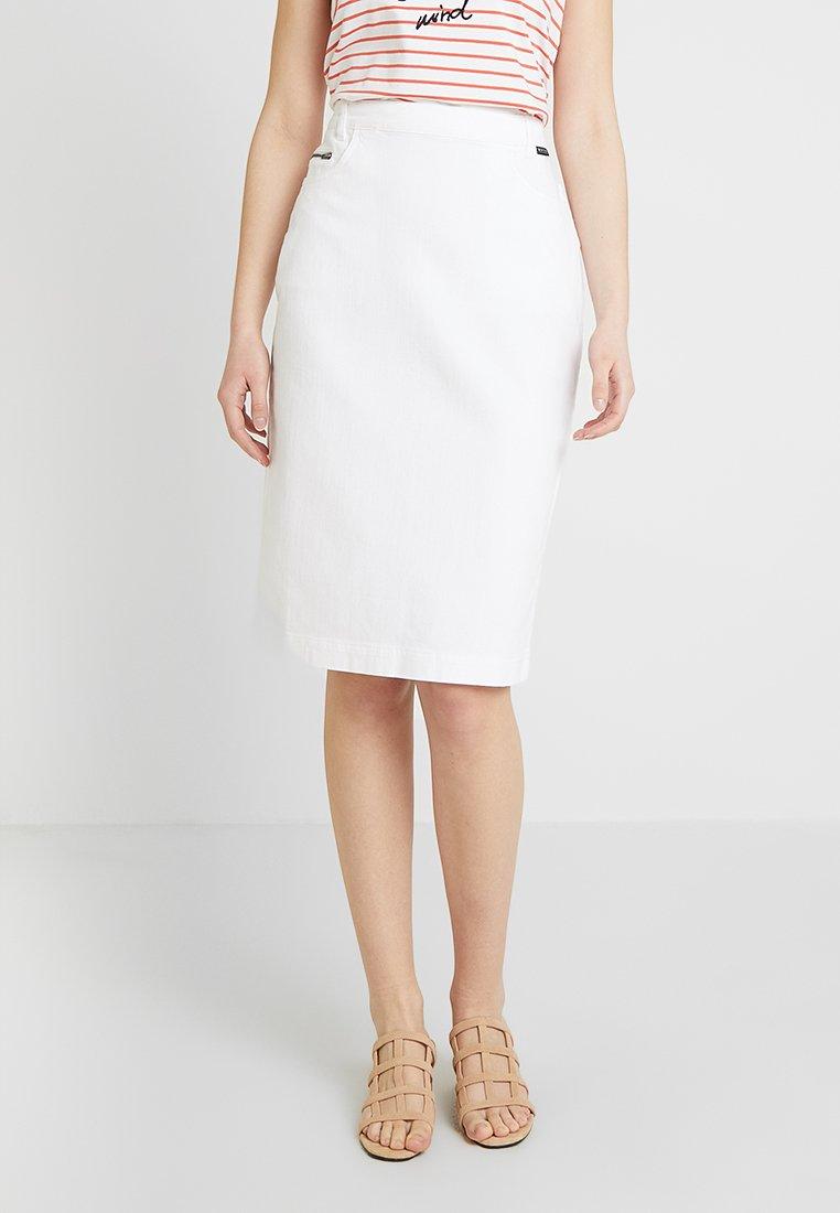 Masai - SABA SKIRT - Falda de tubo - white