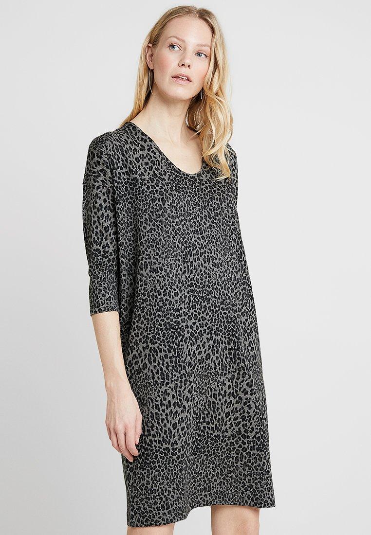 Masai - NEBINE DRESS - Jerseykleid - grey/black