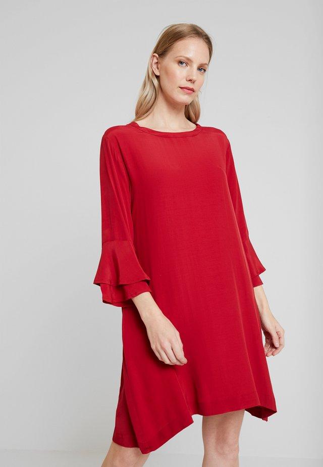 GLEA DRESS - Day dress - rio red