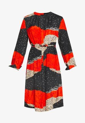 NANI - Denní šaty - pumpkin