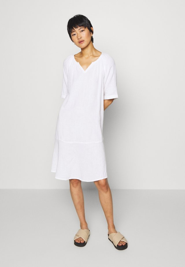 NEBIS - Vestido informal - white