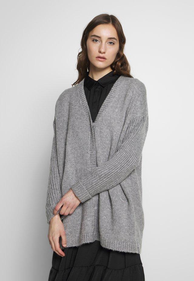 LAGINA - Strickjacke - medium grey melange