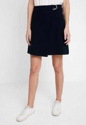 A SHAPE WRAPPED SKIRT - Zavinovací sukně - pure navy