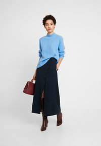 Marc O'Polo PURE - SKIRT LONG BUTTONS SIDE SLIT - Jupe portefeuille - pure navy - 1