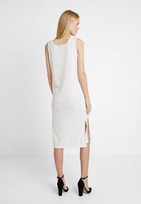 Marc O'Polo PURE - HEAVY LONG DRESS TAPE DETAIL - Neulemekko - natural white - 2