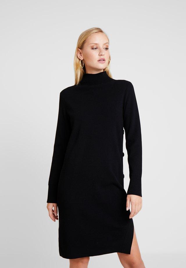 DRESS STRAIGHT FIT - Strickkleid - pure black