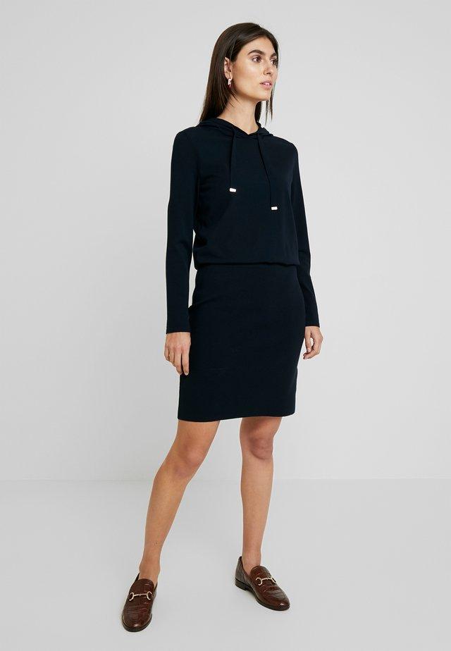 HEAVY DRESS STRETCH - Gebreide jurk - pure navy