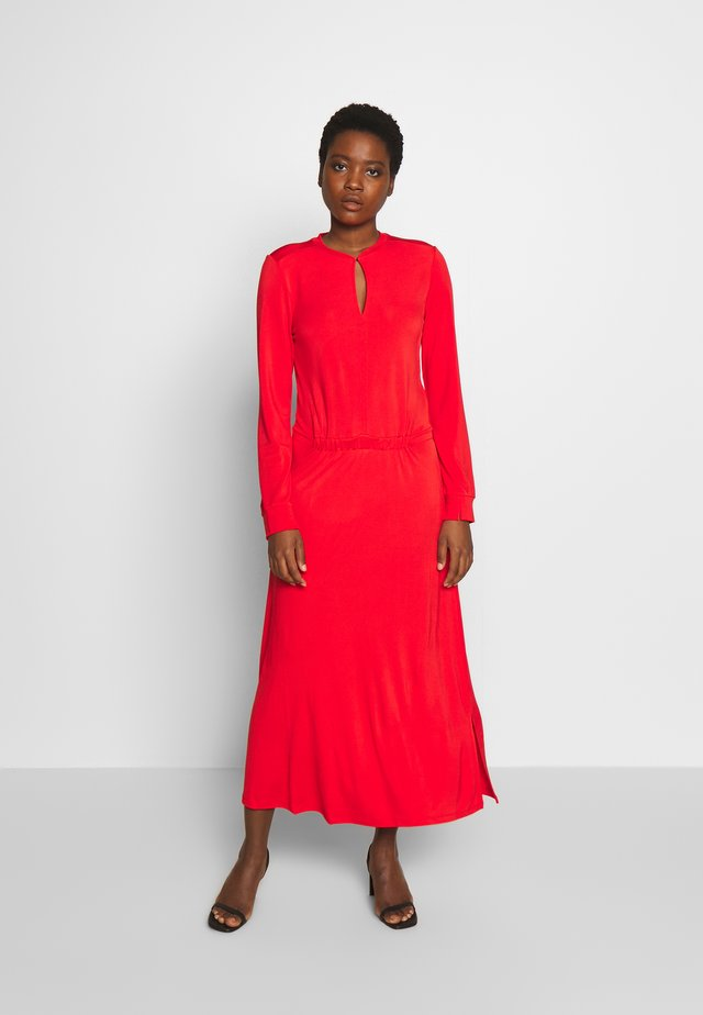 V-NECK RIB TRIM AT NECKLINE - Vestido informal - flashy coral