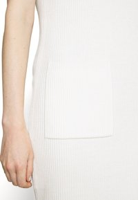 Marc O'Polo PURE - DRESS POCKET AT FRONT SLITS AT SIDESEAM - Abito in maglia - natural white - 5
