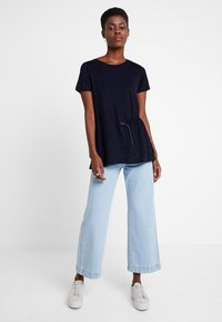 Marc O'Polo PURE - SHORT SLEEVE LONG BODY - Camiseta estampada - pure navy