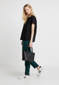 Marc O'Polo PURE - BLOUSE STYLE ROUND NECK - Blouse - black - 2