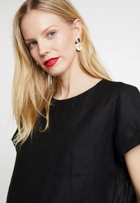 Marc O'Polo PURE - BLOUSE STYLE ROUND NECK - Blouse - black - 4
