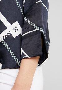 Marc O'Polo PURE - BLOUSE WRAP DETAIL KENT COLLAR - Skjorta - white - 6