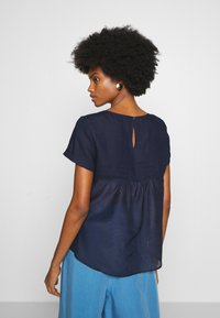 Marc O'Polo PURE - SHORT SLEEVE LOOSE FIT HYBRID STYLE - Blusa - pure navy - 2