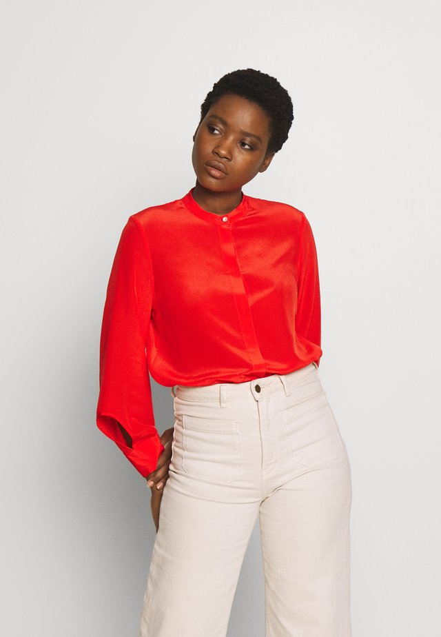 DELICATE SLIT BLOUSE SLIGHTLY RELAXED FIT VOLUMINOUS - Camisa - flashy coral