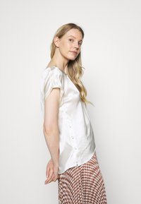 Marc O'Polo PURE - BLOUSE SHORT SLEEVE - Camicetta - natural white - 3