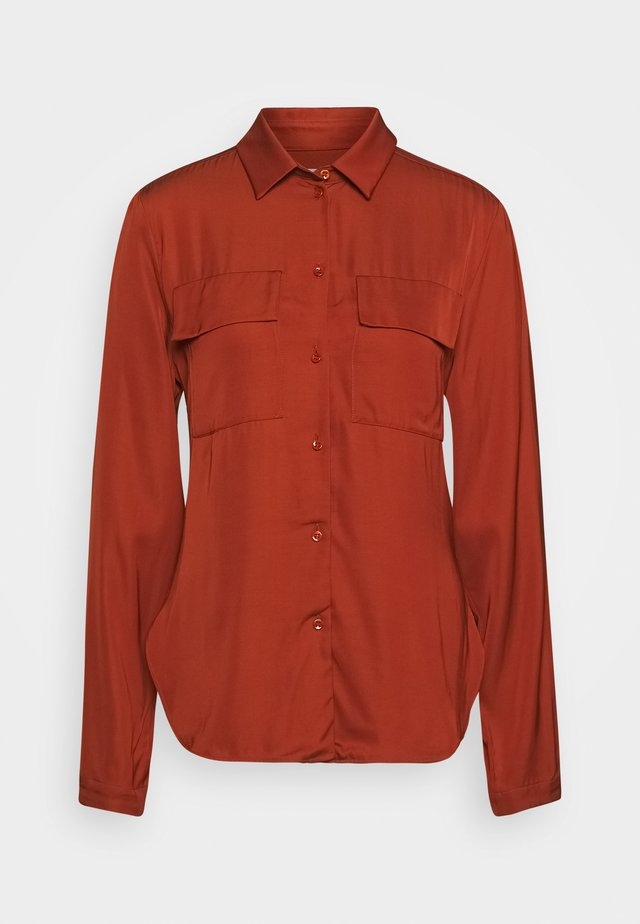 CARGO BLOUSE LONG SLEEVES CHEST POCKETS - Camisa - bricklane