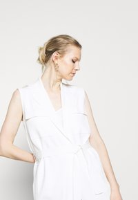 Marc O'Polo PURE - HEAVY SLEEVELESS - Smanicato - natural white - 3