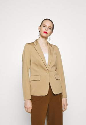SINGLE BREASTED SHORTER LENGTH  WELT POCKETS - Blazer - mellow almond