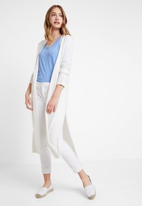 Marc O'Polo PURE - LONG SLEEVE SLIT ON SIDE - Cardigan - natural white - 0