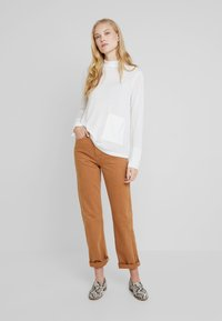 Marc O'Polo PURE - LONG SLEEVE DRAPY NECK - Pullover - natural white - 1
