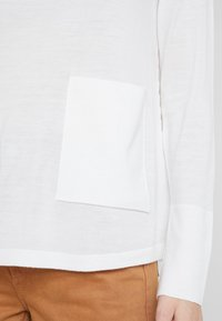 Marc O'Polo PURE - LONG SLEEVE DRAPY NECK - Pullover - natural white - 5