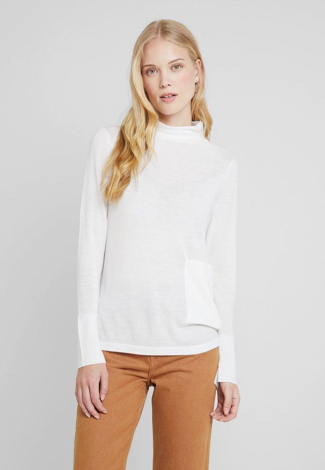 LONG SLEEVE DRAPY NECK - Stickad tröja - natural white