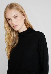 Marc O'Polo PURE - LONG SLEEVE DRAPY NECK - Pullover - pure black - 3