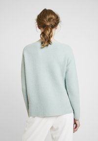 Marc O'Polo PURE - STRUCTURE - Neule - sage green - 2