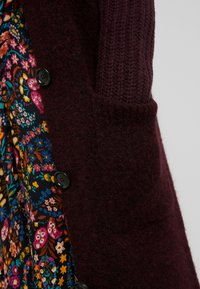 Marc O'Polo PURE - CARDIGAN STRAIGHT FIT OVER KNEE - Neuletakki - deep plum - 4