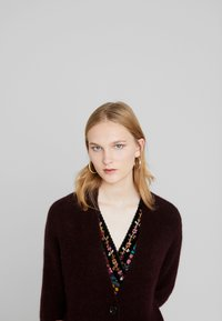 Marc O'Polo PURE - CARDIGAN STRAIGHT FIT OVER KNEE - Neuletakki - deep plum - 3
