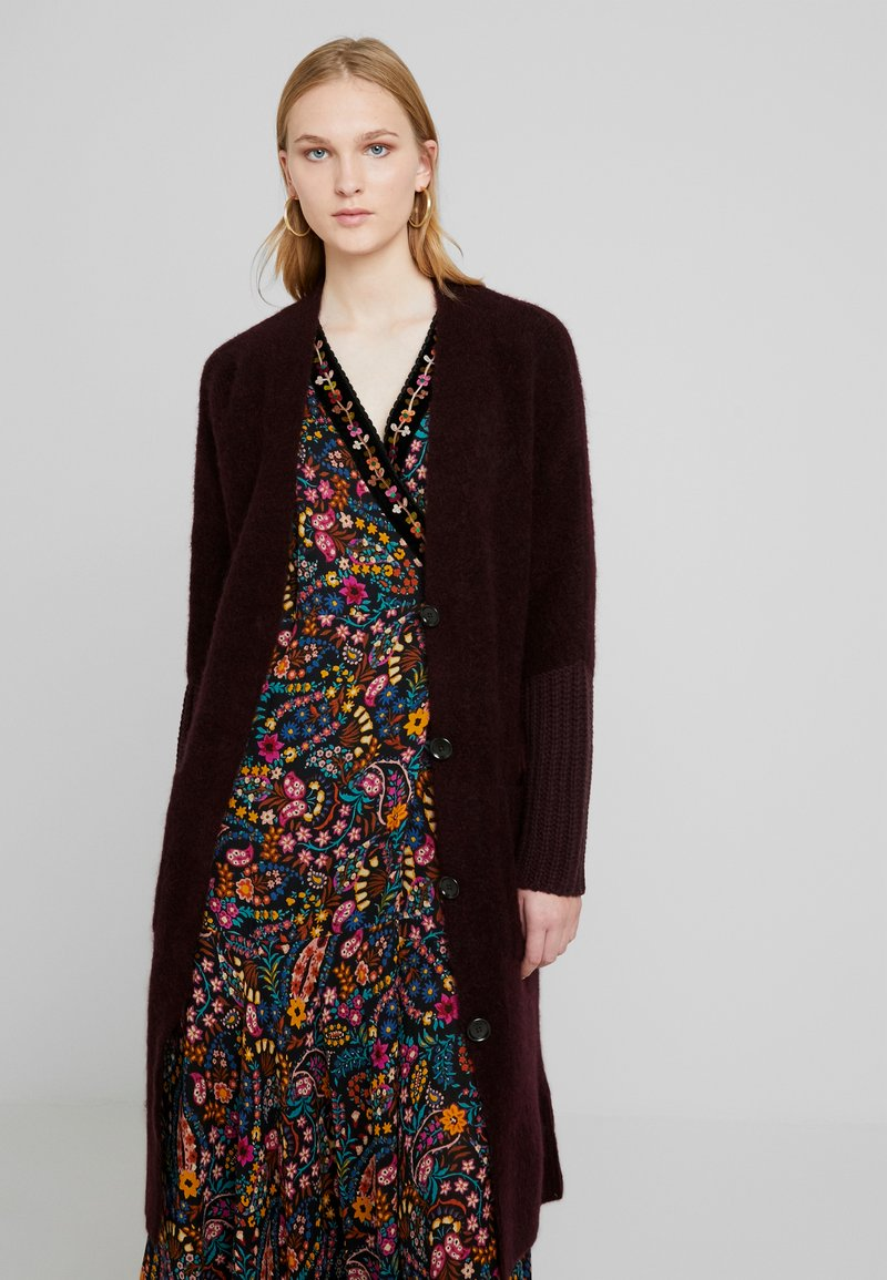 Marc O'Polo PURE - CARDIGAN STRAIGHT FIT OVER KNEE - Neuletakki - deep plum