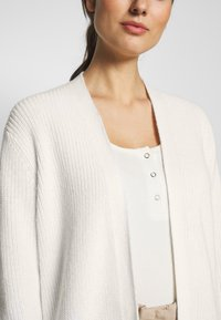 Marc O'Polo PURE - LONG SLEEVE ZIPPER DETAILS - Vest - natural white - 4