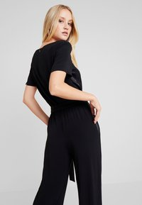 Marc O'Polo PURE - OVERALL SHORT SLEEVE WIDE LEG - Jumpsuit - pure black - 4