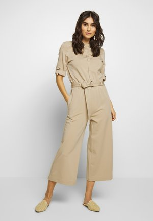 OVERALL, STAND COLLAR, BT PLACKET, HALF SLEEVE + TURN UP, BELT,  - Jumpsuit - warm sand