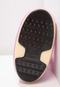Moon Boot - Zimní obuv - pink - 5