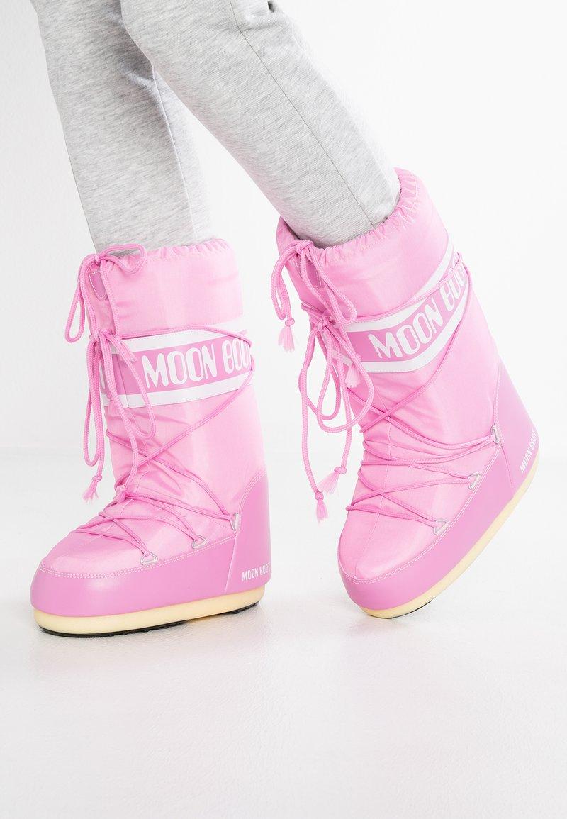 Moon Boot - Zimní obuv - pink
