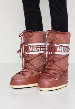 Zimní obuv - rust