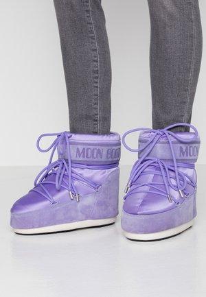 CLASSIC LOW  - Zimní obuv - crocus