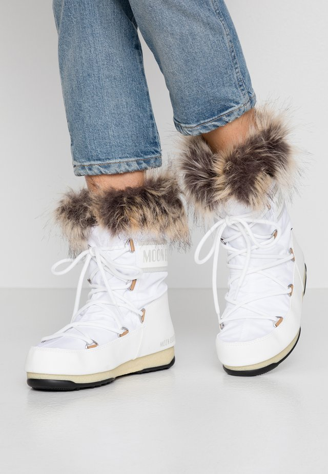 MONACO LOW WP - Snowboots  - white
