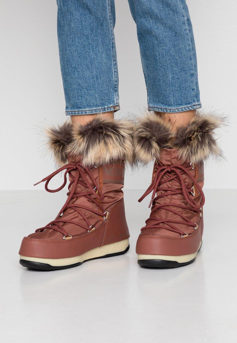 Moon Boot - MONACO LOW WP - Winter boots - rust