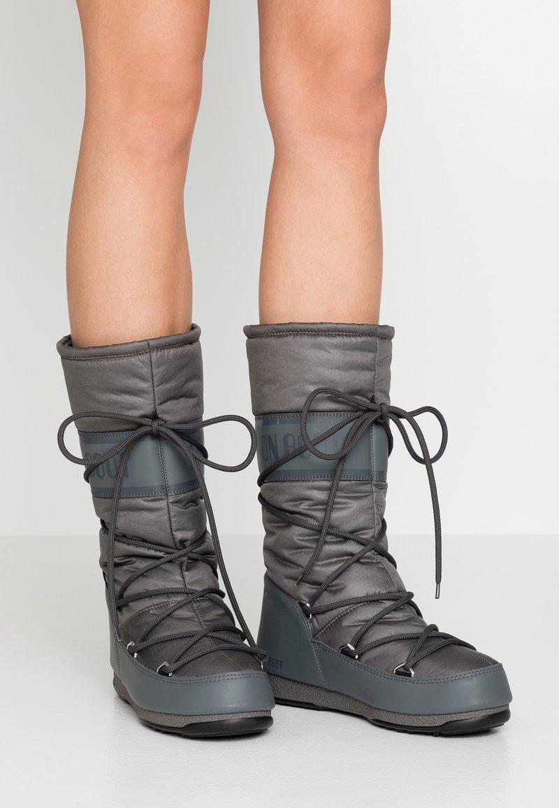 Moon Boot - HIGH WP - Bottes de neige - castlerock