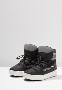Moon Boot - PULSE BOY DETROIT - Stivaletti stringati - black/silver - 3