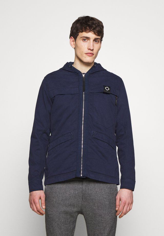 HOODED JACKET - Kurtka wiosenna - true navy