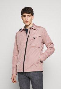 Ma.strum - Lehká bunda - pink - 0