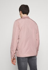 Ma.strum - Lehká bunda - pink - 2