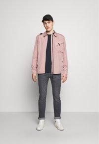 Ma.strum - Lehká bunda - pink - 1