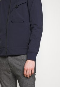 Ma.strum - HOODED JACKET - Vodotěsná bunda - true navy - 5