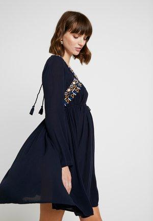 AFRICAN DAISY - Vestido ligero - night blue